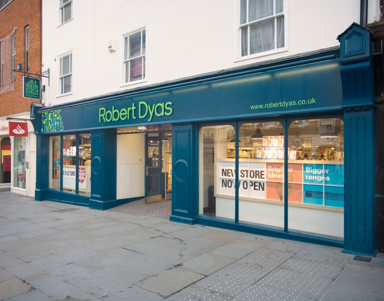 Robert+Dyas+Store+Fascia+August+